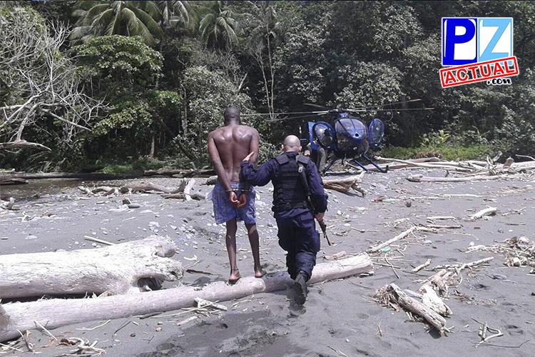 Seguridad Pública da con colombianos trasegando droga en lancha por Punta Burica.