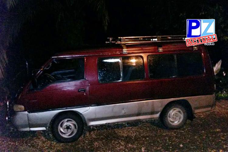 Microbús detenido www.pzactual.com