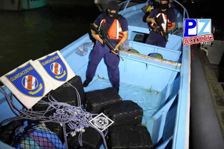 Dan con más de 360 kilos de cocaína que estaban atados a dos radioboyas en el Pacífico sur.