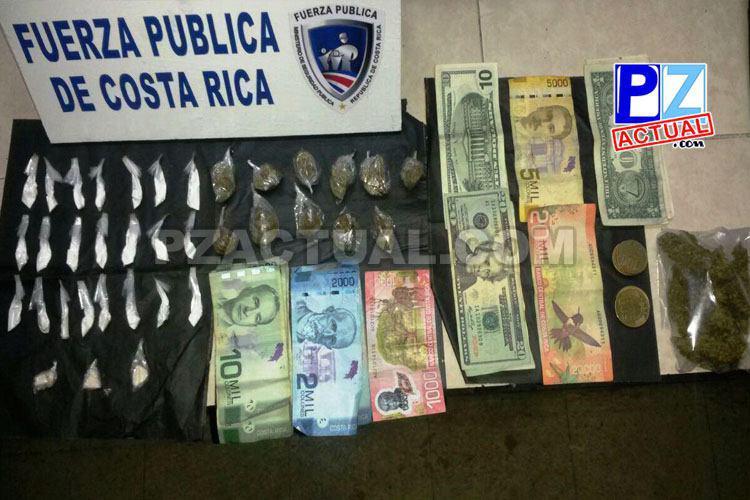 Fuerza Pública detiene a sujeto con crack, marihuana, cocaína y dinero en Quepos.