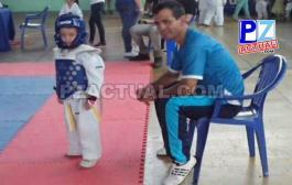 Entrenador generaleño recibió reconocimiento  por parte de la Federación Costarricense de Taekwondo.
