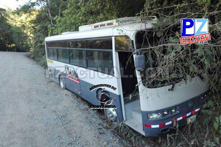 Chofer de transporte de estudiantes evitó tragedia en Pérez Zeledón este primer día de clases.