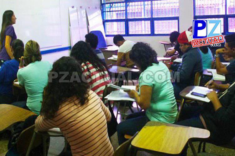 Personas con primaria incompleta pueden aplicar curso y prueba teórica adecuados a sus necesidades.