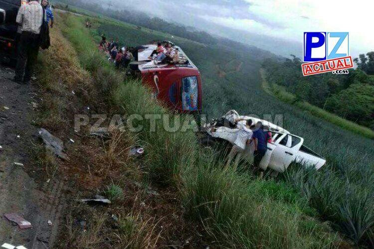 Accidente de tránsito en Volcán de Buenos Aires deja más de 32 personas trasladadas al Hospital.