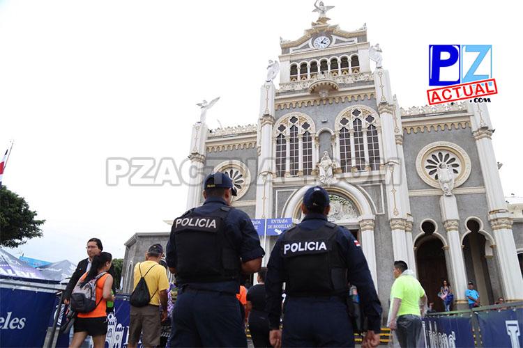Policías Romería 03 www.pzactual.com