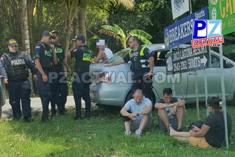 Policía detiene a dos grupos en apariencia dedicados a hurtar celulares y tachar autos en Garabito.