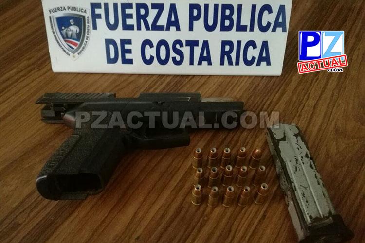 En detención por violencia doméstica, Fuerza Pública recupera pistola presuntamente robada al Poder Judicial.