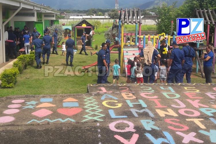 Futuros guardacostas dejaron las aulas para cumplir una divertida misión con los niños y niñas de Quepos.