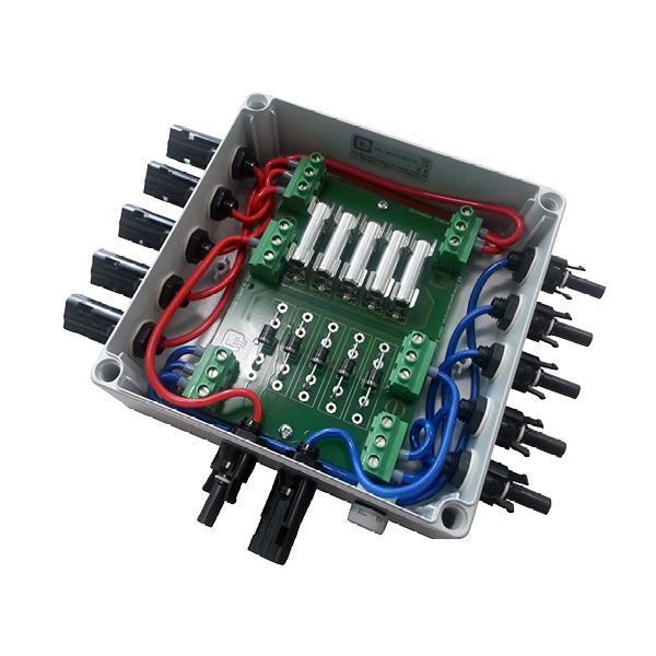 Stringbox Simple mit Sicherungen und Dioden