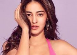 What is the qualification of Ananya Pandey?