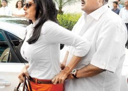 "What are some ""oops"" moments of Sridevi?"