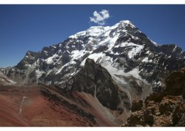 The longest mountain range in the world is?