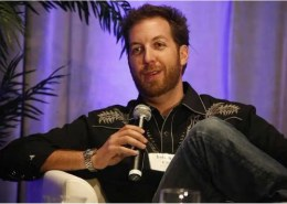 How much does Chris Sacca own of Uber?