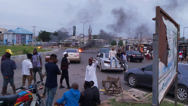 Youths protest in Osogbo against EFCC