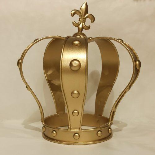Coroa King dourada para decoração