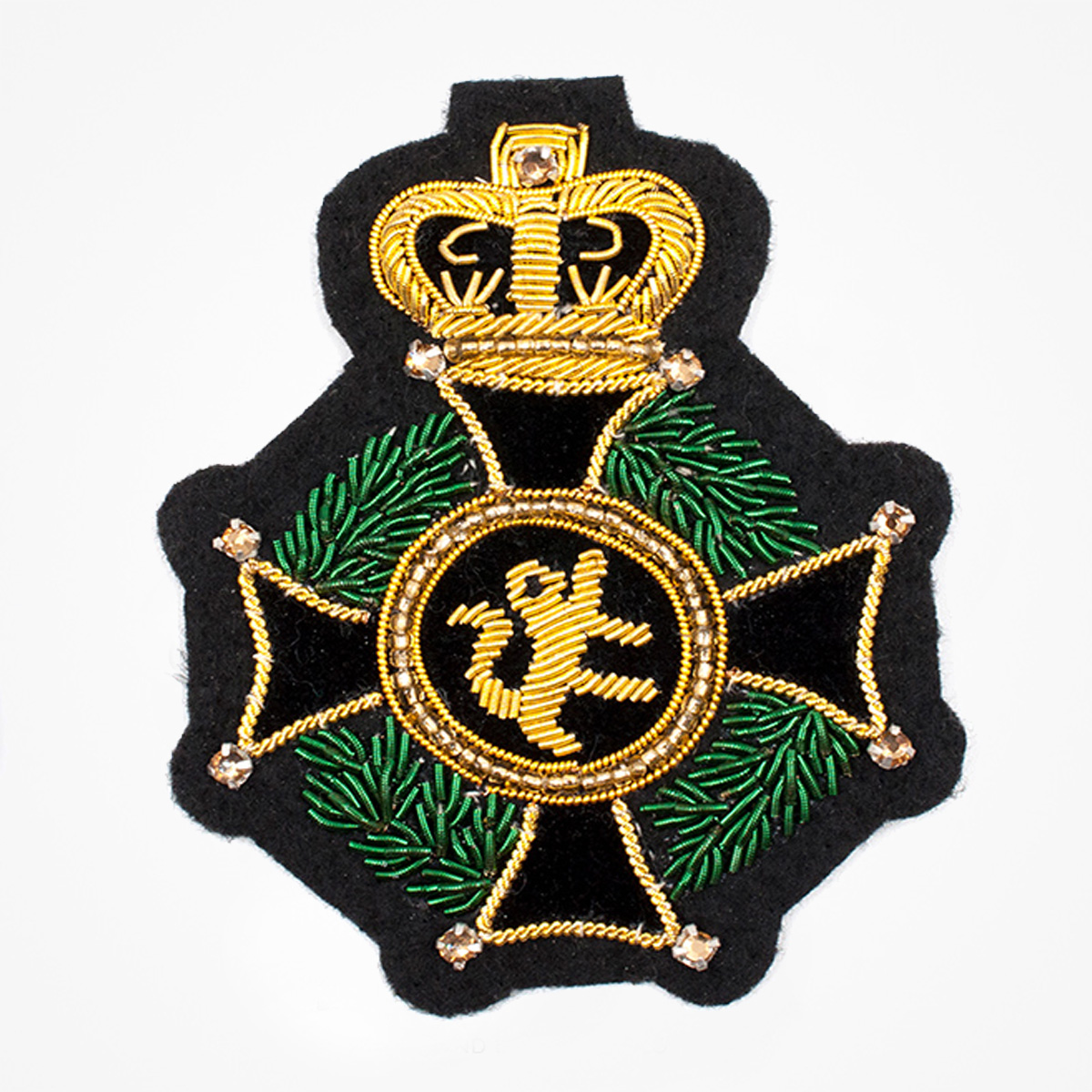 Italian Style embroidered Bullion wire Green Crown Lion Cross Blazer Crest Patches - Fashionable 3D embroidered look Made by skilled artisans Bullion wire and silk thread hand Stitched on Black color Felt Available in gold and silver colors Size = 75 mm height 60 mm width sew-on backing: Perfect for caps, sports jacket, leather jackets, blazer coat, Blazer Pocket, shirts uniforms, Accessories, and many More Pin backing: easy to removable 5