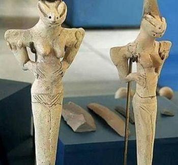 Reptilian-figurines
