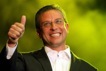 """Al hacer una búsqueda en Google por """"moron governor"""" aparece en el primer enlace la página de Wikipedia de Alejandro García Padilla. ¿Coincidencia o broma?"""