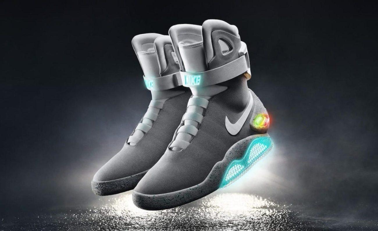 Michael J. Fox muestrasus Nike Mag en el show deKimmel