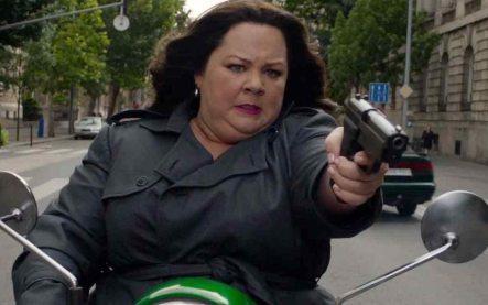 SPY - Melissa McCarthy solo debería trabajar con Paul Feig, y viceversa. Esta divertidísima comedia toca temas tan difíciles como el clasismo, el sexismo, y la xenofobia sin que te des cuenta mientras te ríes hasta que duela.