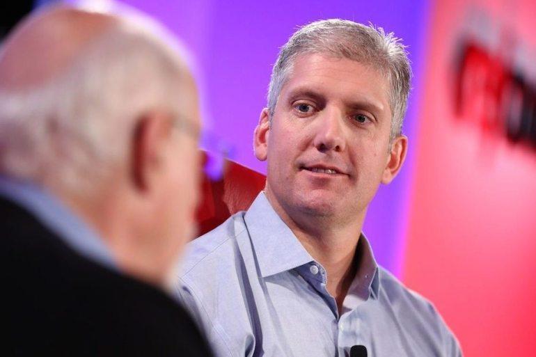 Rick Osterloh presidente de Motorola renuncia