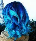 """Mi pelo es color azul, no color """"tu problema"""""""