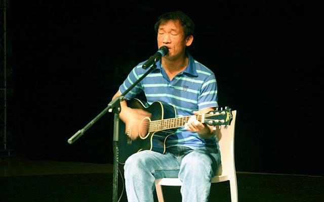 Zhu Guang Yu Live Music in Qingdao