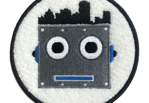 High Quality Custom Designer Iron On Patches Embroidery For Clothing Accessories