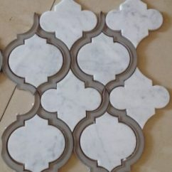 Travertine Kitchen Backsplash Aid Cookware Mosaic Tile Qinyuan Stone Arabeque大理石马赛克瓷砖后挡板玻璃和大理石