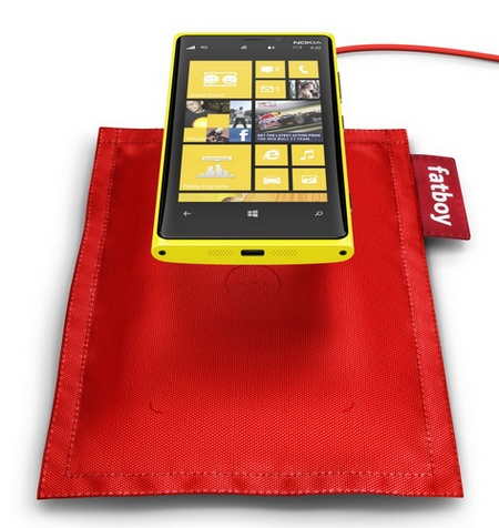 Nokia-Fatboy-Wireless-Charging-Pillow-1