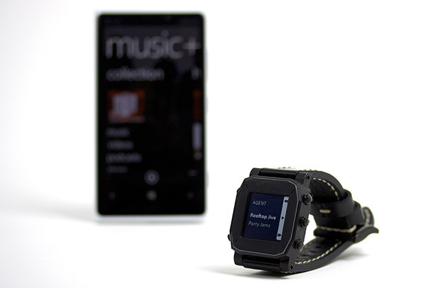 Agent smartwatch qi wireless