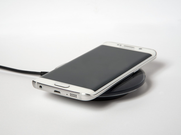 samsung-galaxy-s6-edge-qi-wireless-charging-100576567-large.idge