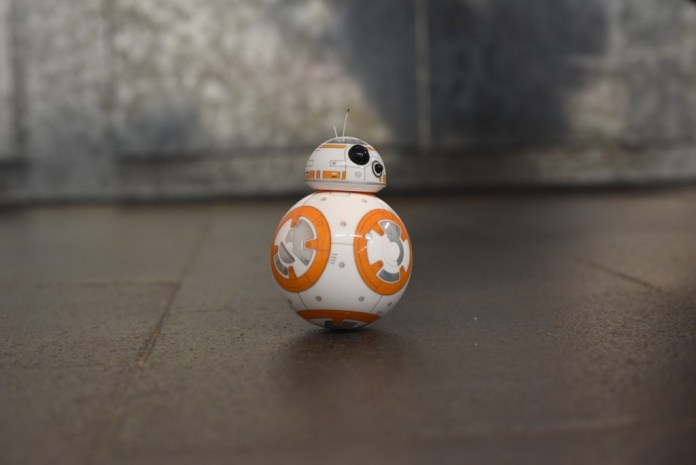 BB-8 Robot wireless charging