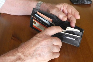 personas mayores Confemac-maltrato financiero