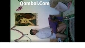 کلیپ سکس سرپایی با آقای صاحبخونه