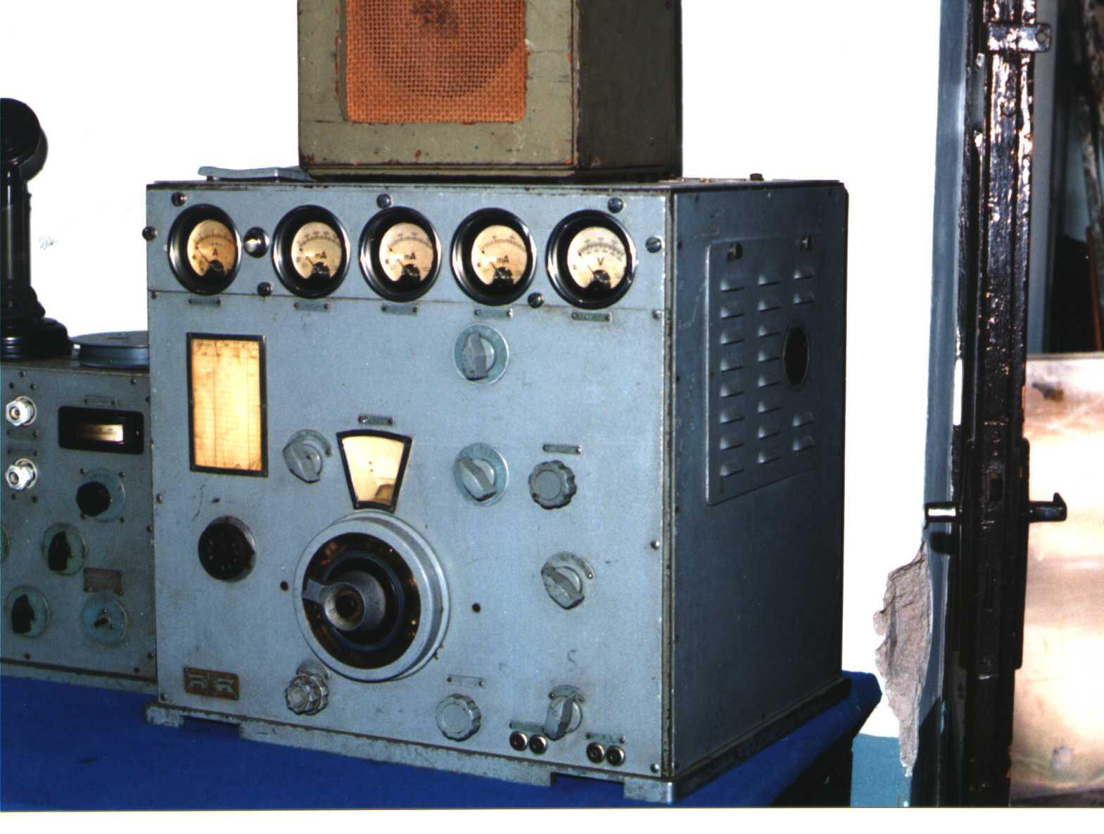 Grey Green Radio