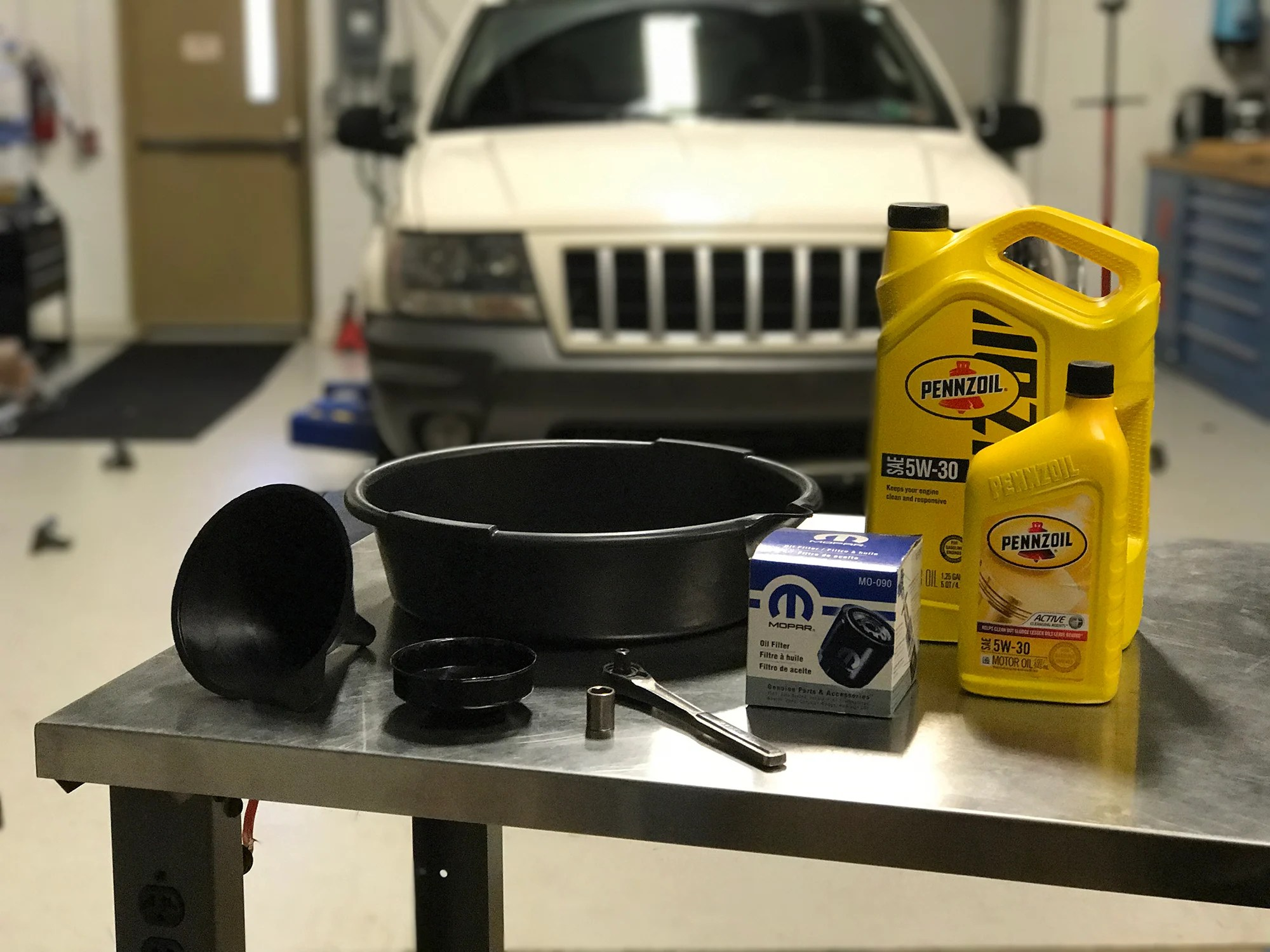 hight resolution of how to do an oil change on a 1999 2004 grand cherokee 4 7l v8