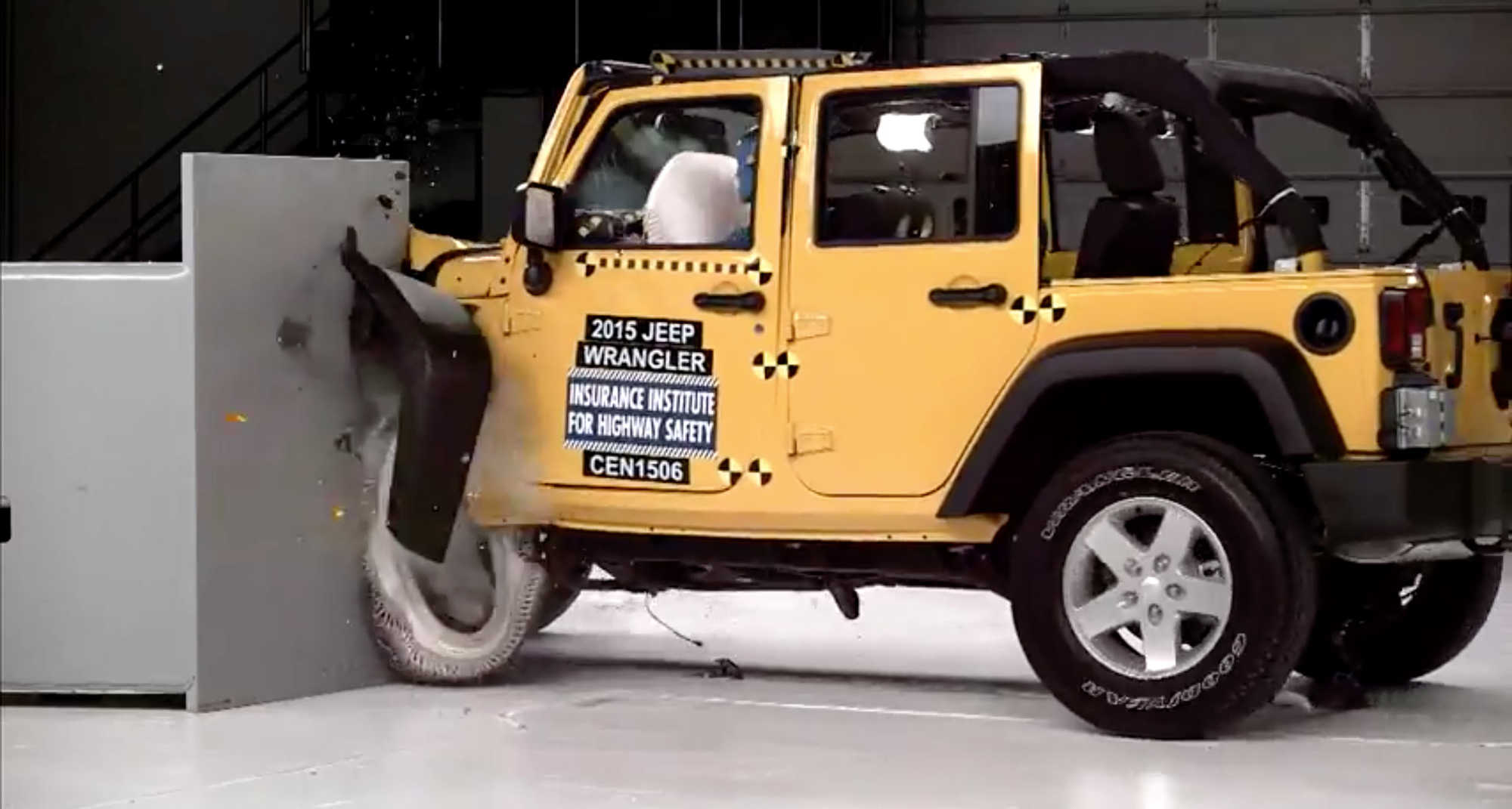 IIHS Releases Small Overlap Crash Test For 2015 Jeep