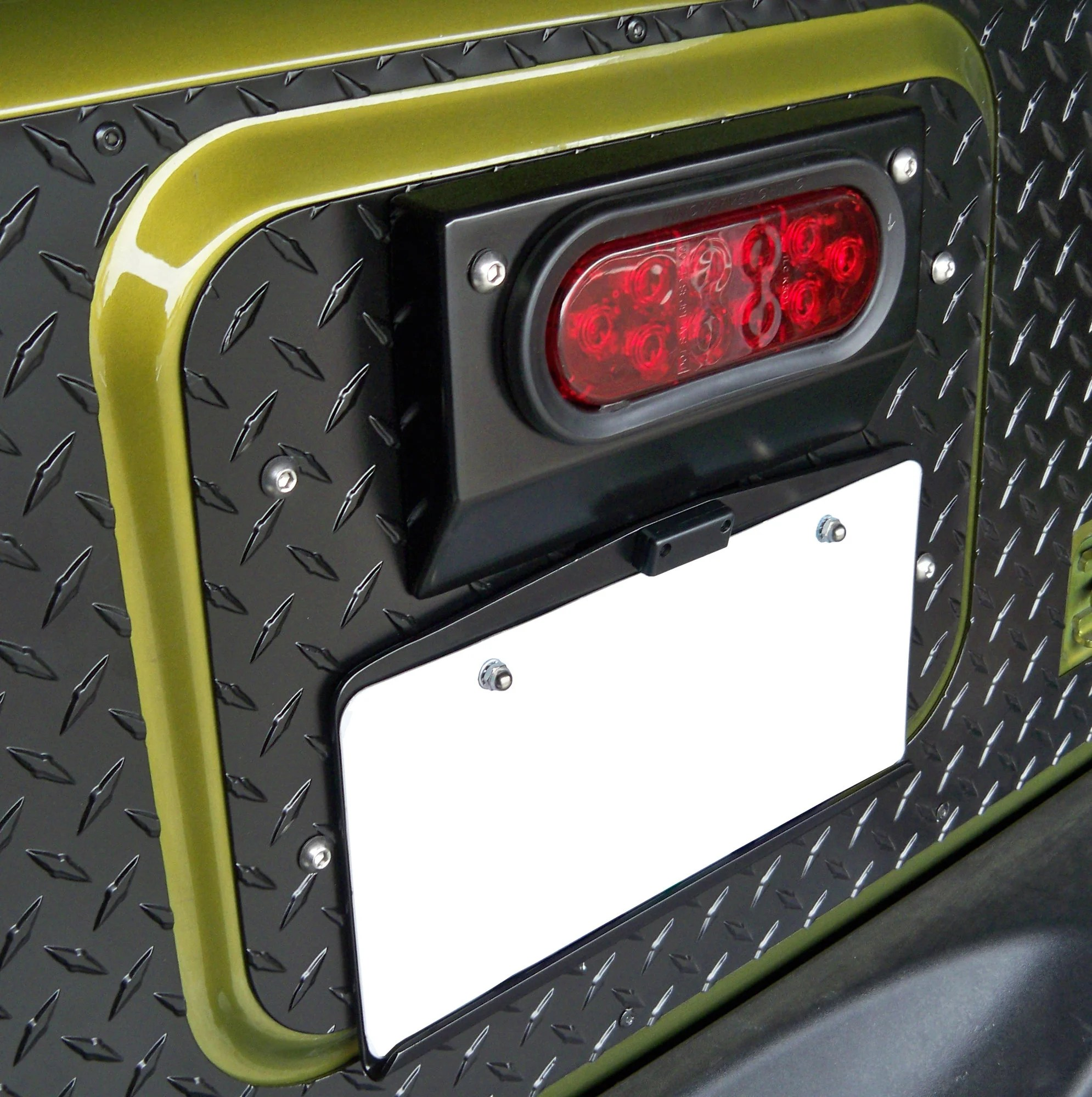 hight resolution of warrior products 1562 center tailgate mount license plate bracket for 07 18 jeep wrangler jk quadratec