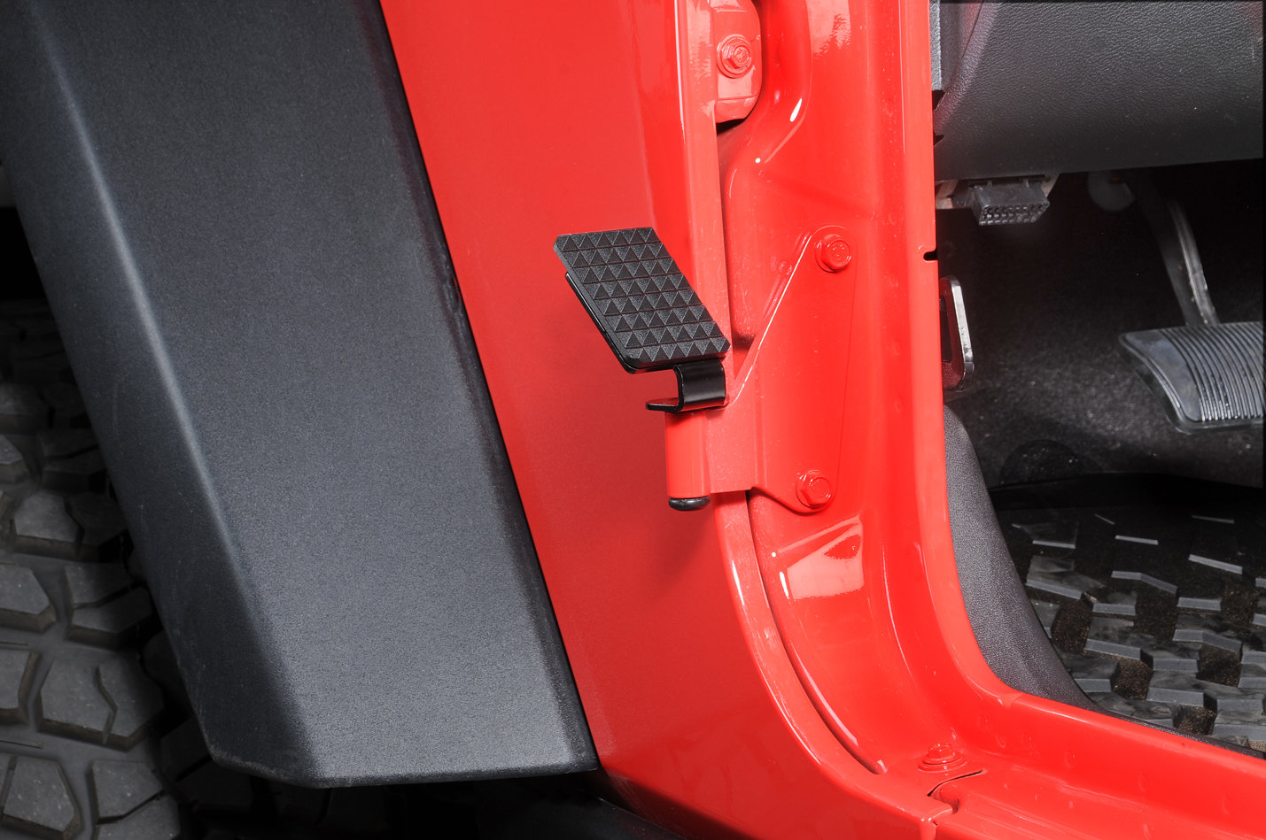 hight resolution of realwheels drivers side foot rest for 07 18 jeep wrangler jk