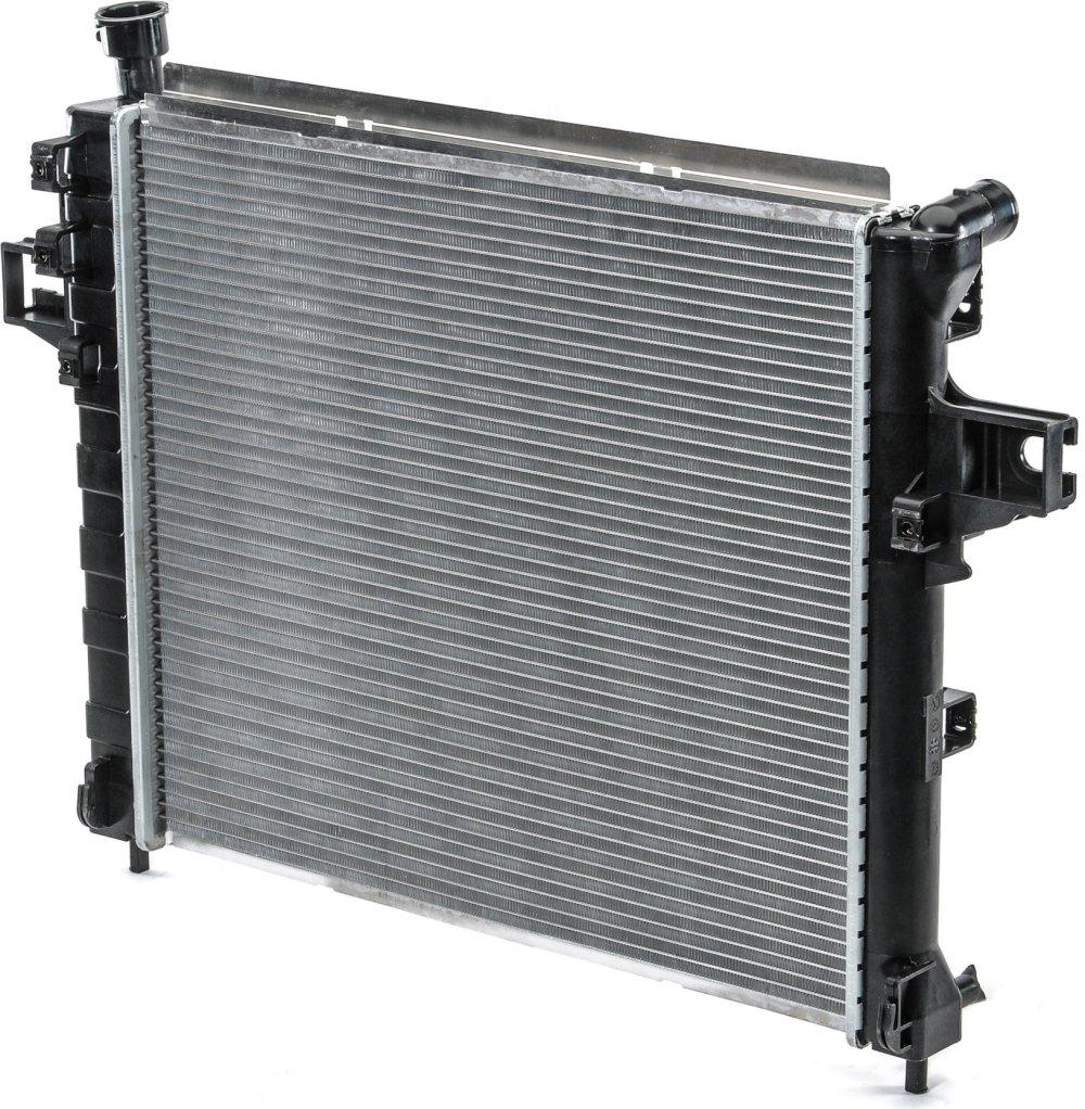 medium resolution of csf 3117 oe replacement radiator with plastic tank aluminum core for 99 04 jeep grand cherokee wj 4 7l quadratec