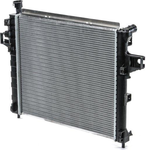 small resolution of csf 3117 oe replacement radiator with plastic tank aluminum core for 99 04 jeep grand cherokee wj 4 7l quadratec