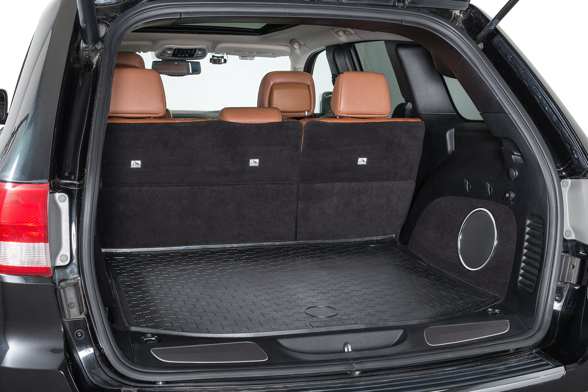 Travall TBM1087 Trunk Mat for 1118 Jeep Grand Cherokee