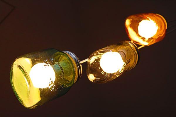 Lampe-aus-Einmachgläsern-DIY-3