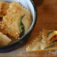 REZEPT: selbstgemachte RAVIOLI mit Kürbis und Amarettini #Food #saisonaleRezepte