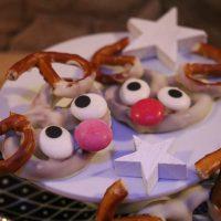 3 leckere Weihnachts-Kleinigkeiten mit Bruchschokolade, Marshmallows und niedlichen Rentier-Brezeln #Freudeschenken #XMas #DIY