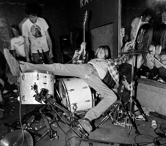 Grunge Girl Wallpaper La Storia In Bianco E Nero Rock Amp Roll