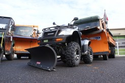 Kleinste Gemeinsamkeit: Ein ATV hat auch für den Arbeitseinsatz Schneeräumung eine Daseinsberechtigung.