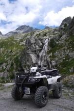 Das ATV in seiner natürlichen Umgebung: Herrliches Terrain bietet sich im Tal Rochemolles hinauf zum höchsten legal befahrbaren Punkt der Alpen, dem Col du Sommeiller.