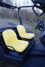 Ergonomisch: Die Sitzmöbel sind sehr gemütlich ausgefallen, auch wenn die Farbe gewöhnungsbedürftig ist.
